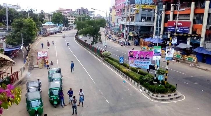 ছুটির আমেজ কাটেইনি রাজধানী ঢাকায়