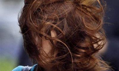 জেনে নিন অগোছালো চুলের যত্ন নেওয়ার টিপস