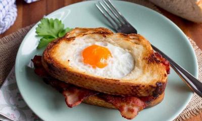 Egg-in-a-Hole Breakfast Sandwich